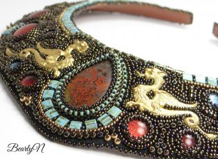 plastron Saint George, zoom sur les dragons et la chrysocolle cuprite
