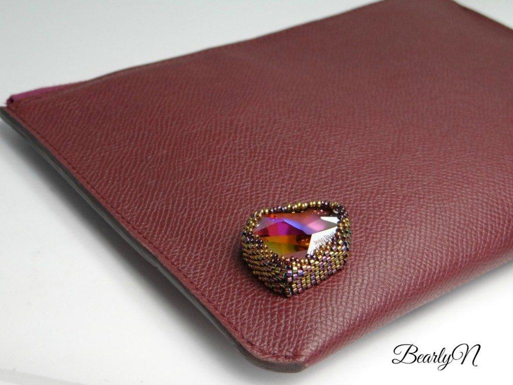 Carmen-cuir de cerf bordeau et crystal de Swarovski signé J-P Gaultier